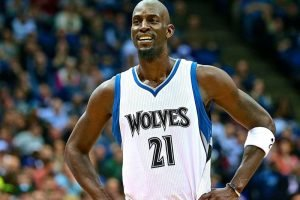 Top 10 Most Valuable Kevin Garnett Rookie Cards