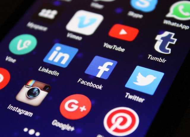 15 Best Social Media Stocks to Buy for 2021