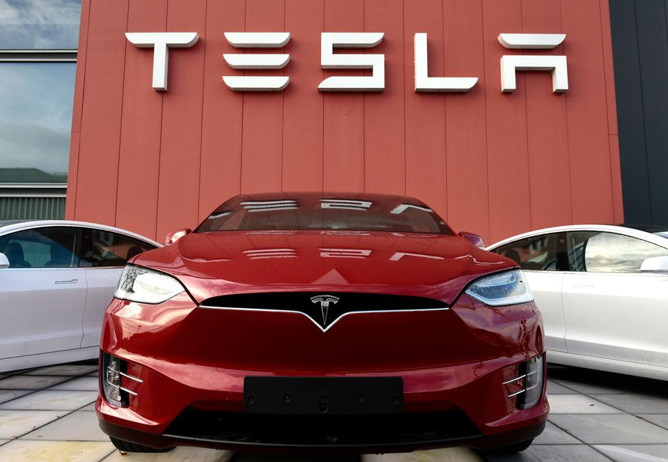 Read more about the article Should You Buy Tesla (TSLA) Stock?